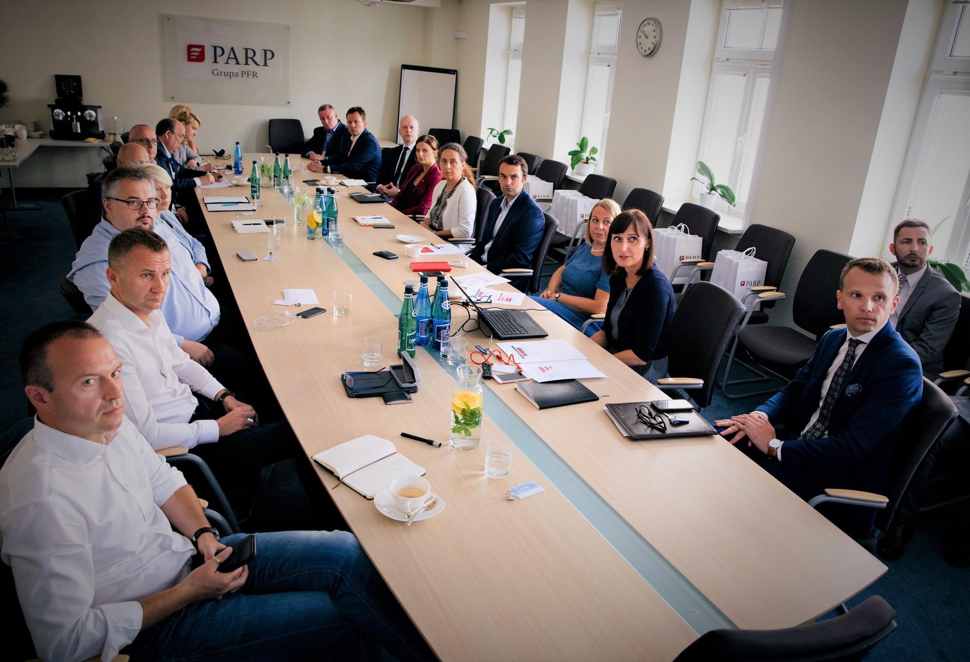 PARP i duże firmy o wspieraniu przedsiębiorczości