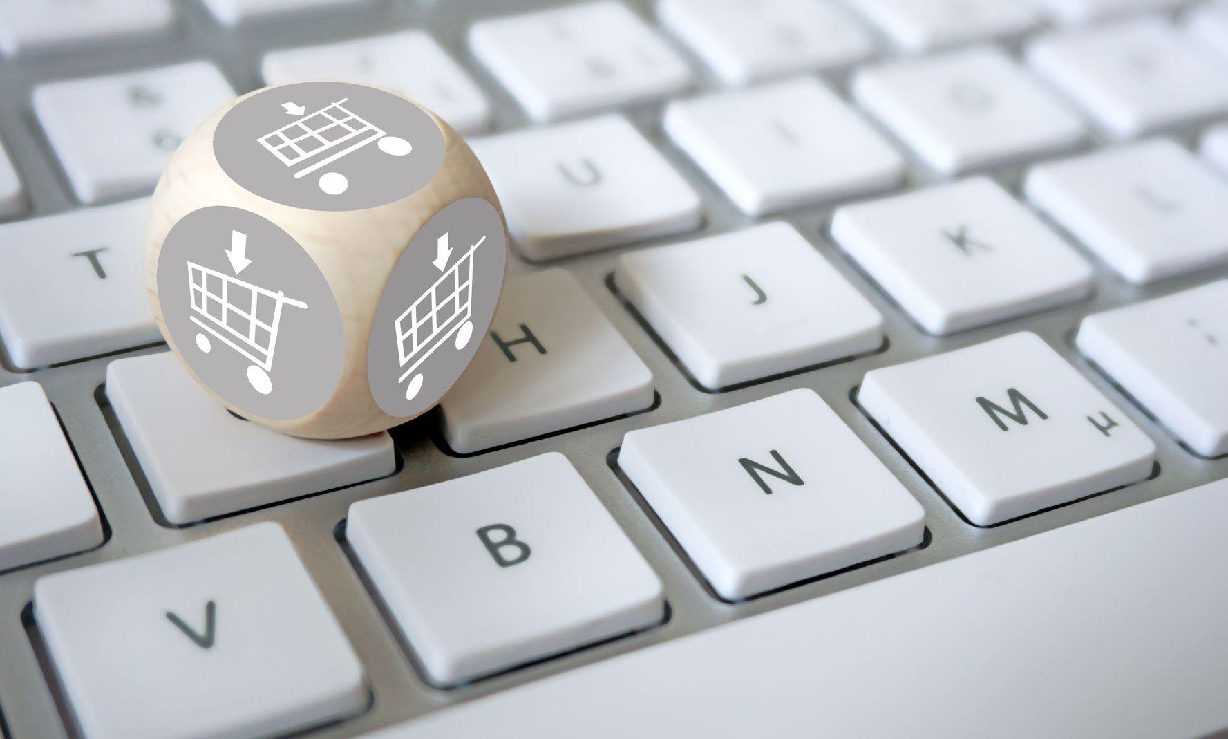 Niedozwolone postanowienia umowne w regulaminach sklepów internetowych. Korzyści dla przedsiębiorcy stosującego regulamin wolny od klauzul niedozwolonych