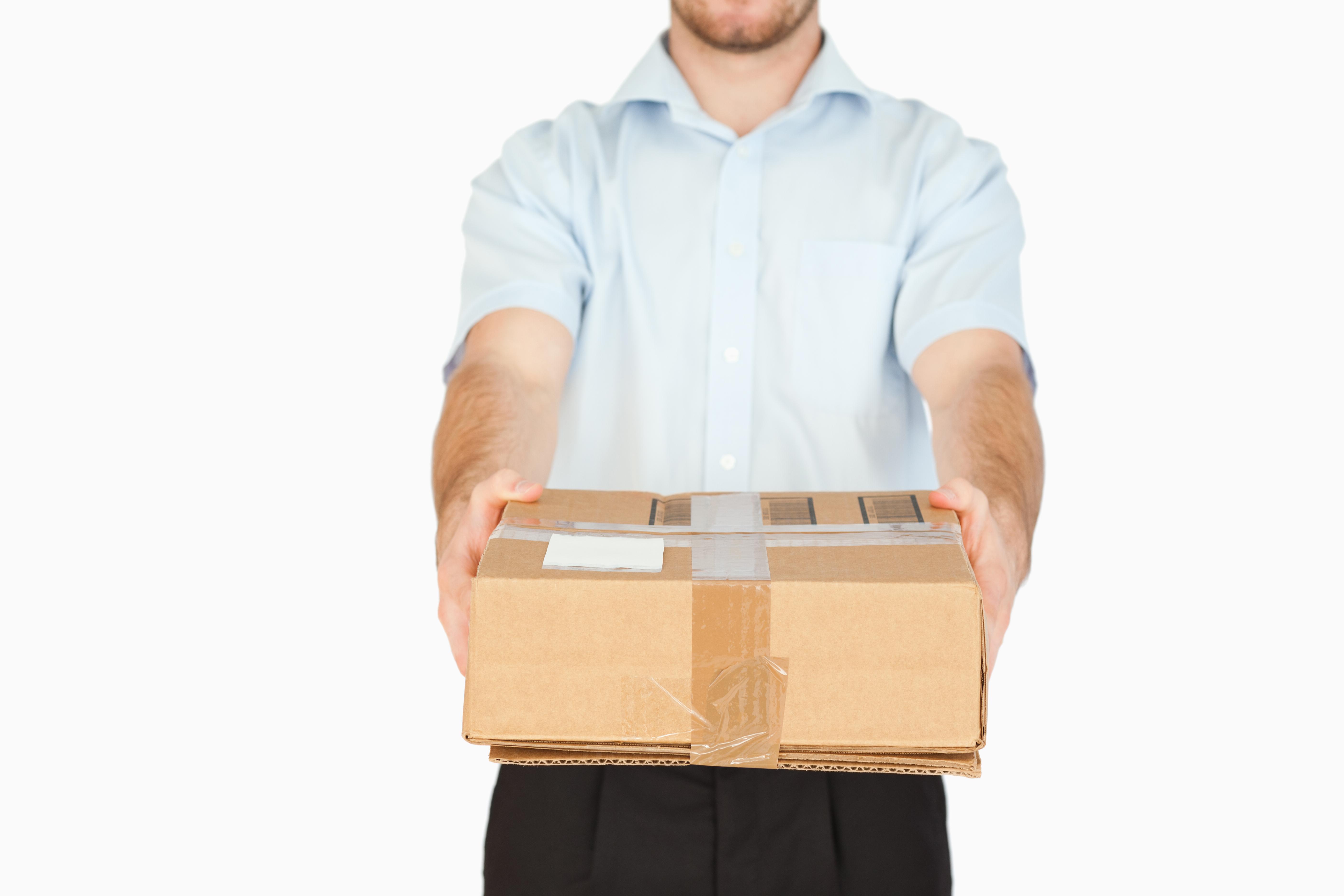 Zwrot towaru, który nie był przedmiotem umowy sprzedaży. Co powinien zrobić sprzedawca?