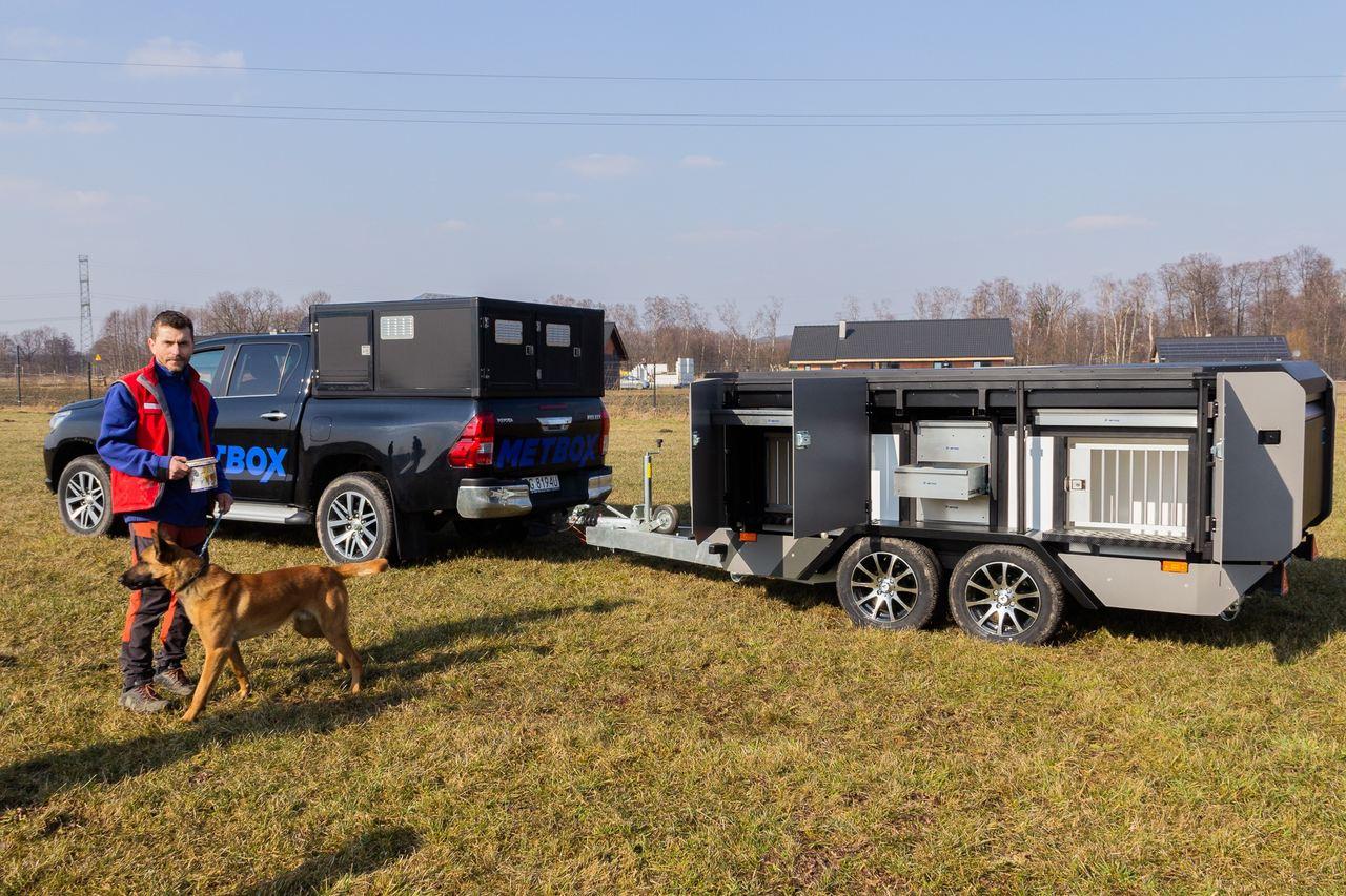 Wykonanie projektu i wdrożenie do produkcji specjalistycznej przyczepy do przewozu psów z innowacyjnym aneksem sypialnym
