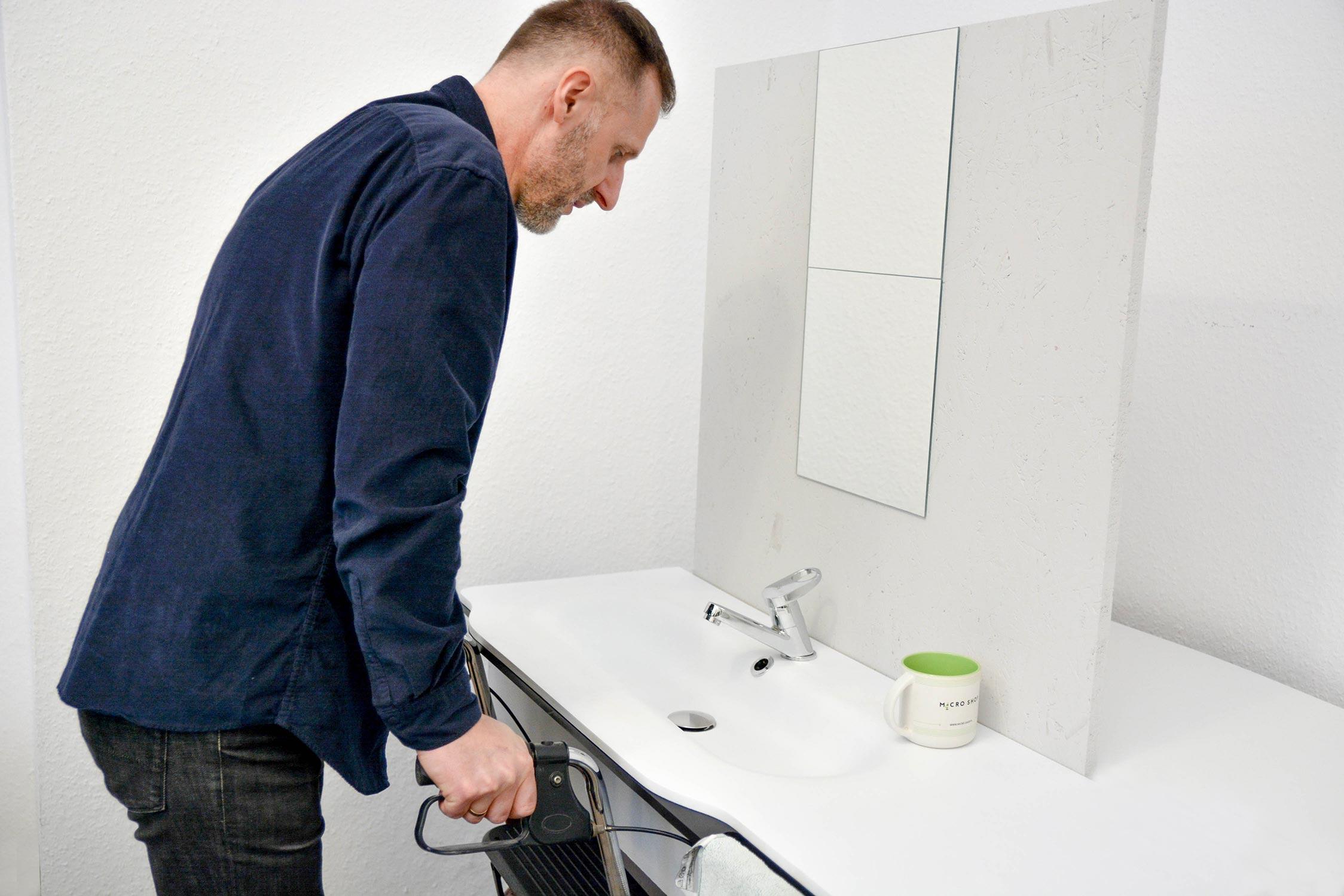 Linia umywalek z materiałów typu solid Surface